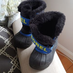 Sorel toddler snow boots sz 8 Like new!